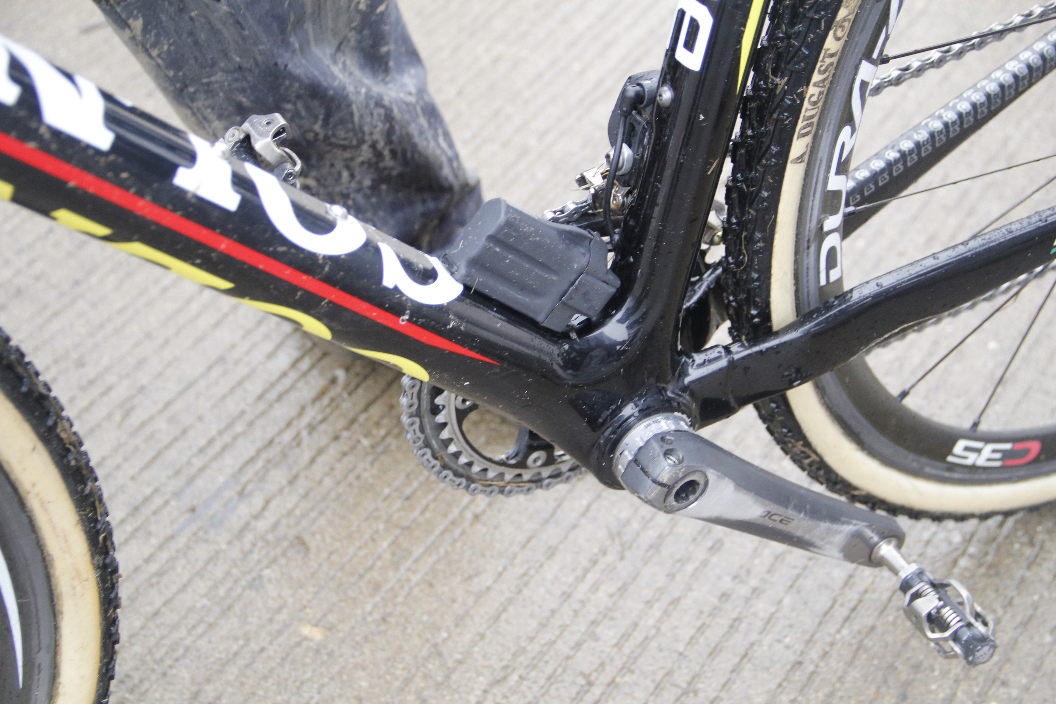DA-7900 crankset with 7800 46-39 chainrings and 11-28 cassette.